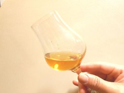 テイスティンググラス 飲み方 ウイスキー シングルモルト コップ