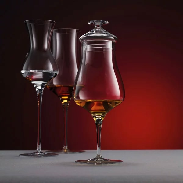 テイスティンググラス ウイスキー,ストレート,グラス,シングルモルト,おすすめ,飲み方,蓋,プレゼント,選び方,スニフター,