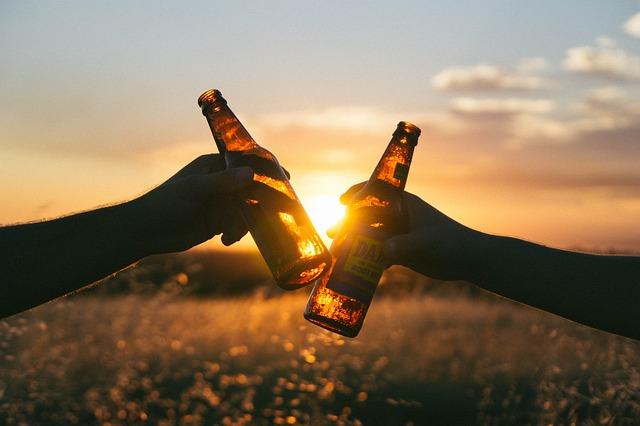 ビールをお店の味に!クリーミーな泡とグラスに拘る『家庭用ビールサーバーで超音波の泡を体験』