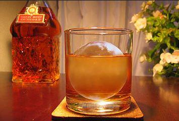 ウイスキー 自宅で丸氷